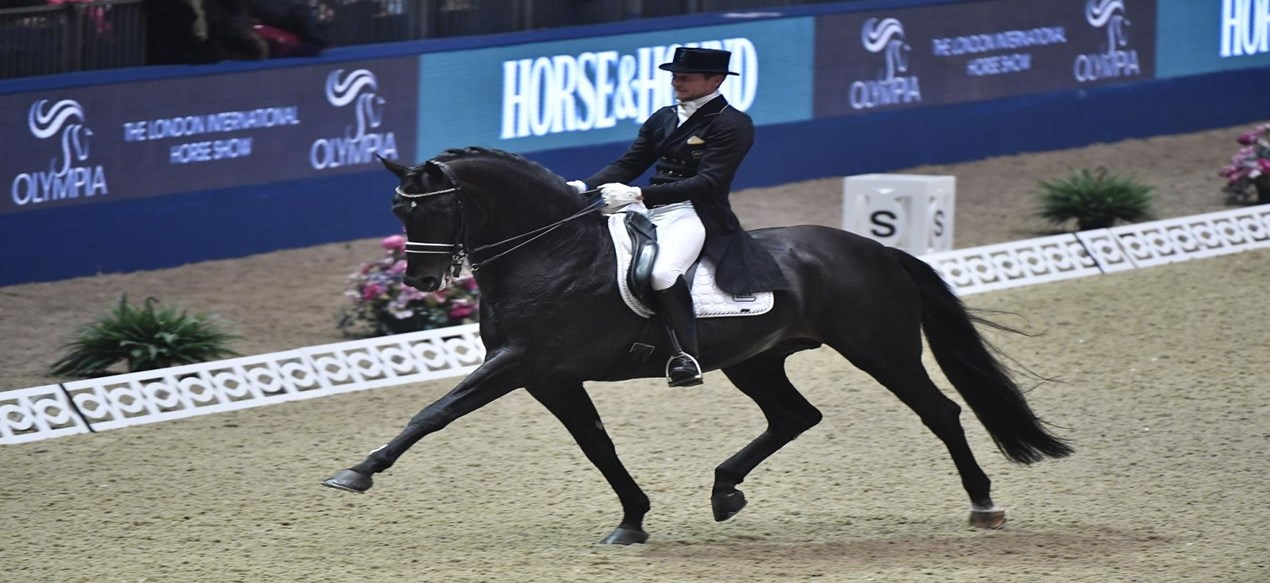 Edward Gal wint met Glock's Zonik Grand Prix in London