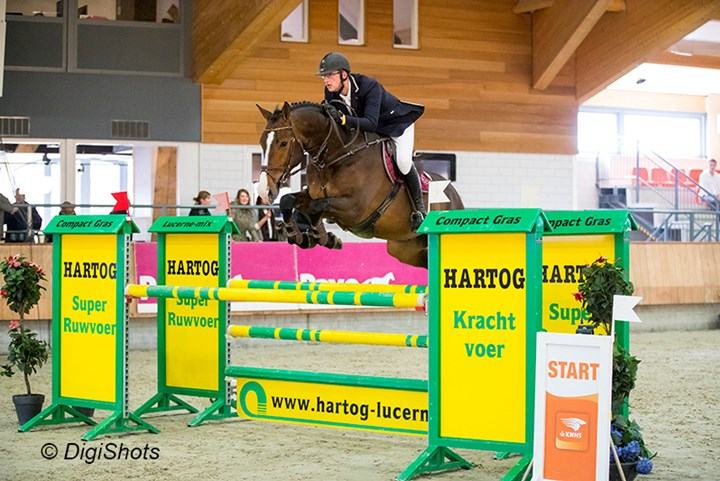 *VIDEO* Wilfred Harke knappe winnaar M Indoorkampioenschap ´17