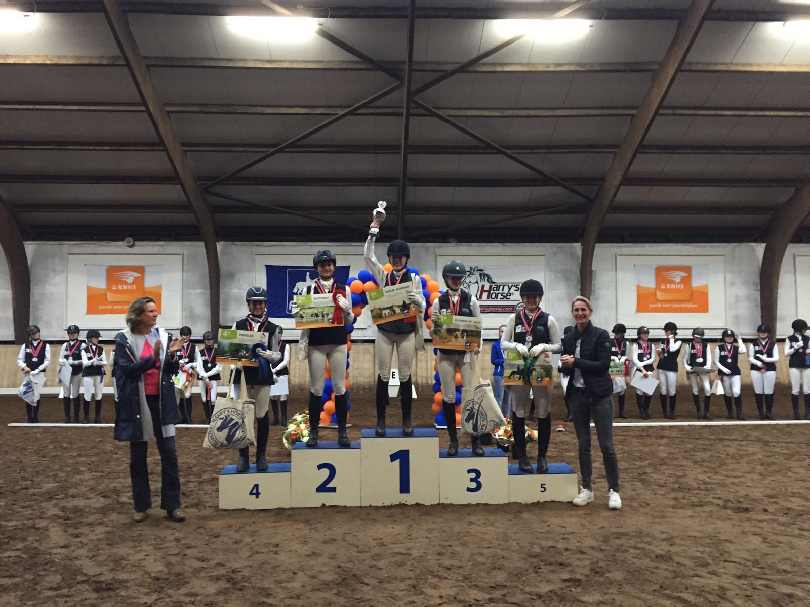 Pracht finale Harry´s Horse Zitcompetitie 2017 *VIDEO*