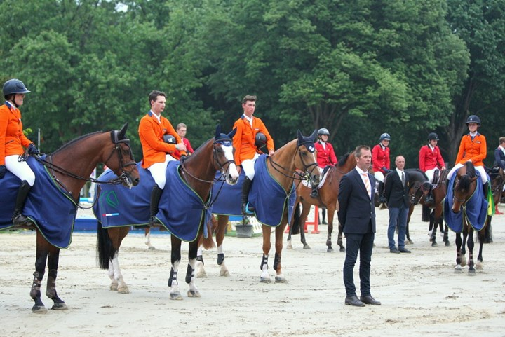 Young Riders winnen, junioren tweede in Wierden